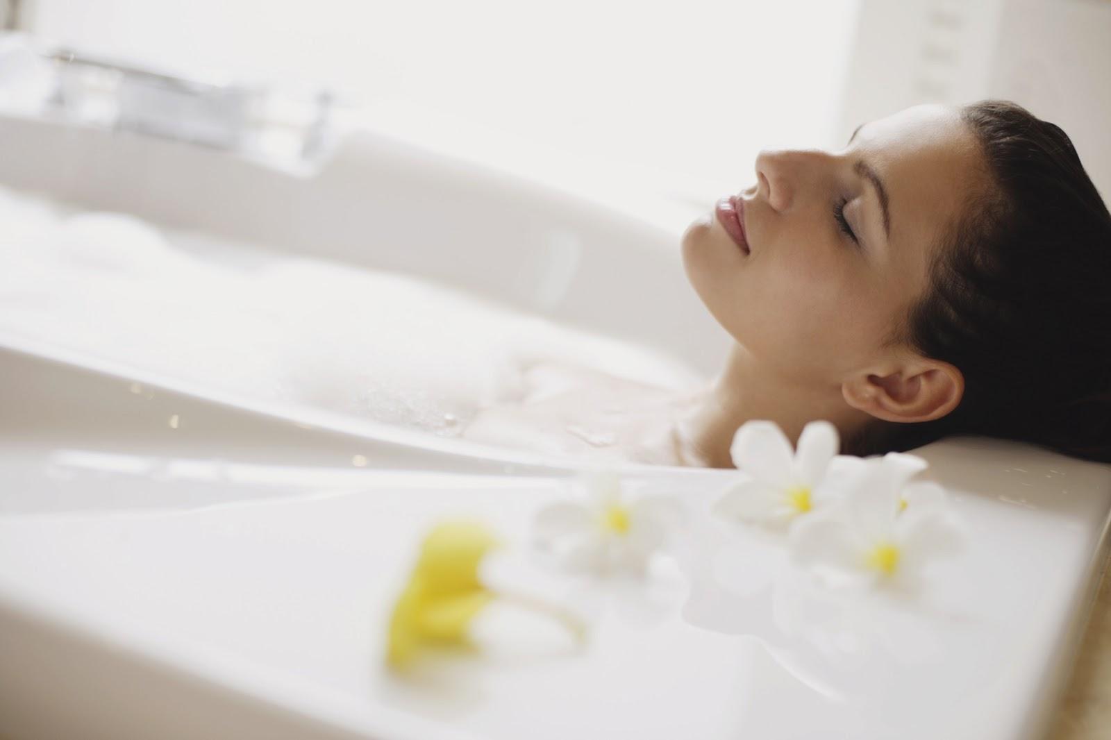 Kết quả hình ảnh cho essential oil bath