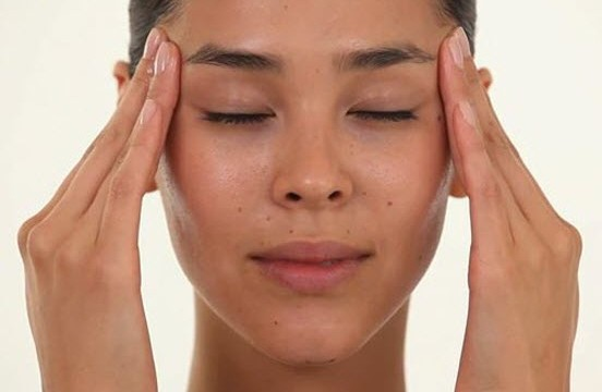 Facial_massage1-552x360