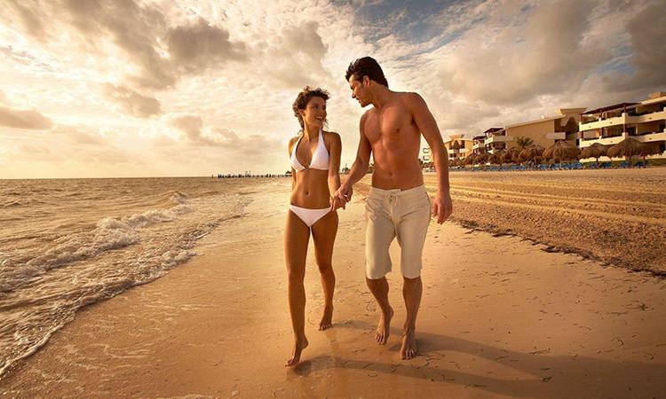 Couple beach 1