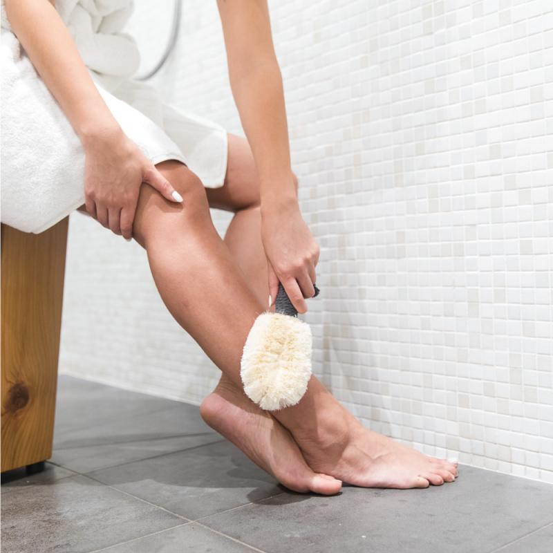Drybrushing feet