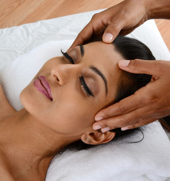 Indian-Head-Massage-565x600